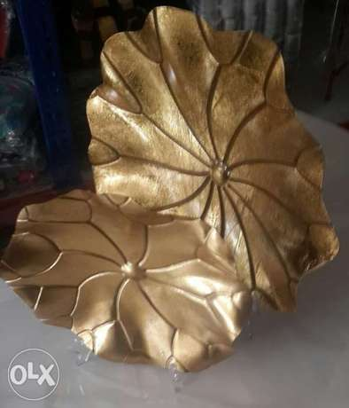 2 pieces Gold standing flower table or console accent. Lekki - image 1