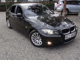 BMW 320i Black colour leather interior 2009 model excellent condition