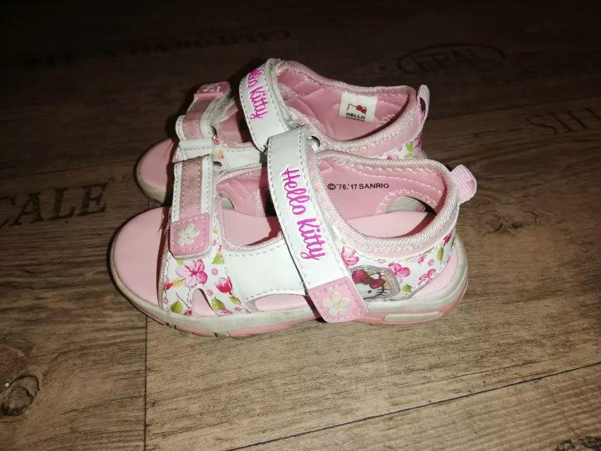 b7c18eb917 Hello Kitty sandálky ccc vel. 25 - Dětské oblečení - 14939450 ...