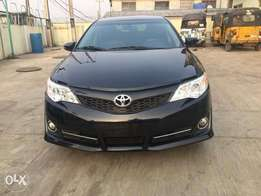 Super CleanToyota Camry sport 2014 Leather/Reverse Cam for just 5.5m