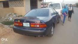 Super clean 1998 model Lexus es300 for sale