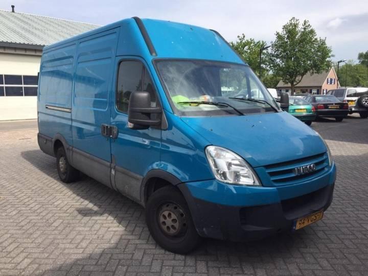 Iveco 35S18V EURO 4 35S 18 180pk - 2007