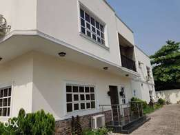 Lovely fully detached 5Bedrm duplex with 2living rms at VGC Lekki