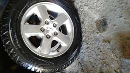 Complete Set Of Jeep Grand Cherokee Rims With Tyres!