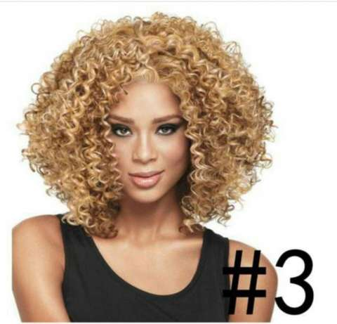 Wavy and Curly heat resistance wigs Lagos Mainland - image 6