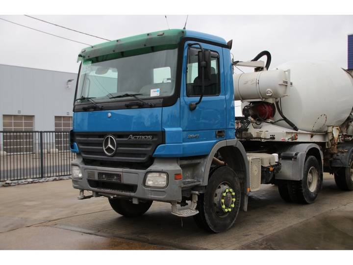 Mercedes-Benz ACTROS 2041 AS MP2 + SEMI LIEBHERR 9M3 - 2003