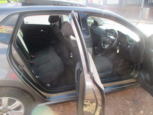 2014 vw polo 6 1.6 comfortline for sale Johannesburg CBD - image 7
