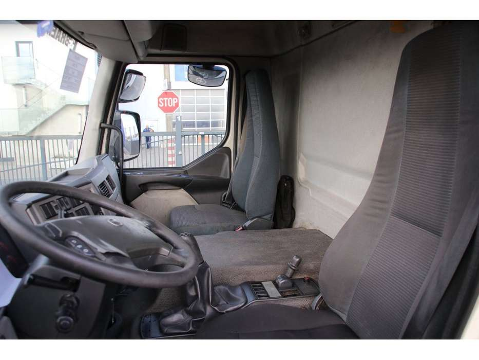 Volvo FE 280.19 + CARRIER + D\'Hollandia - 2007 - image 13