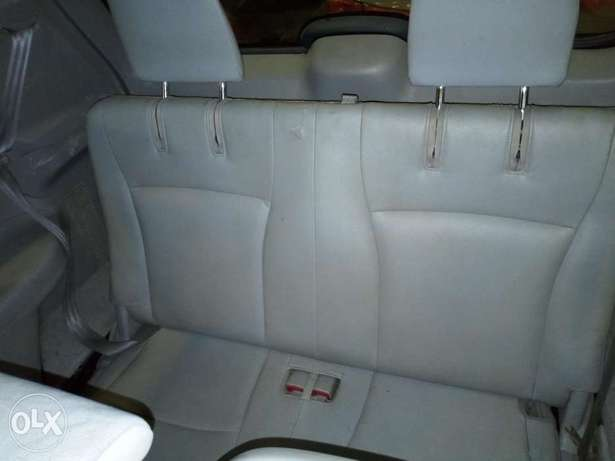 Extremely Clean 2009 Toyota Highlander Full Options Alausa - image 5