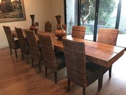 dinning table for sale and sits