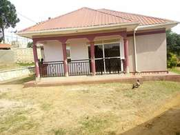 Near main 3 bedroom stand alone house for rent in Kiira at 500k