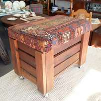 Vintage look ottoman/mini chest on castors: lift-up seat covered