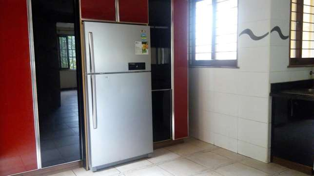 A 5 bedroom townhouse spacious rooms for letting letting. Westlands - image 4