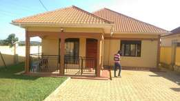 3bedrooms house for sale in kiira at 190m