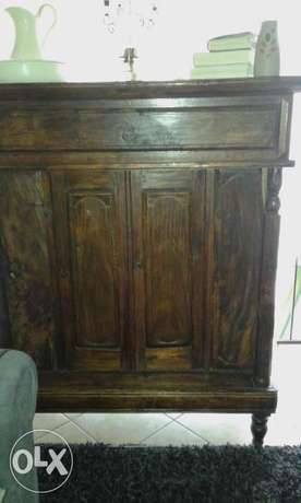 large beatufil solid wood cupboard urgent! Randburg - image 1
