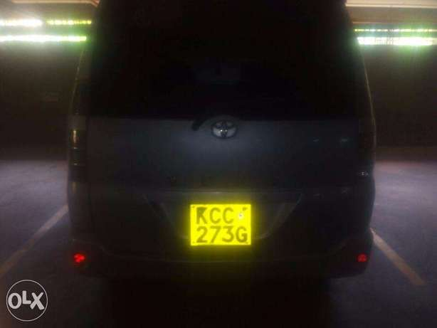 Toyota Voxy 2006 model for sale Nairobi CBD - image 3