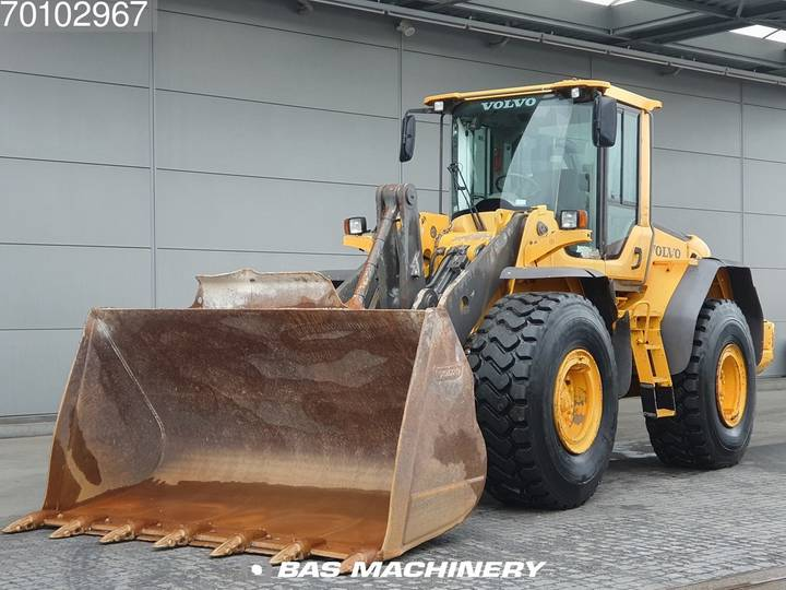 Volvo L120F Good condition - good tyres - 2012