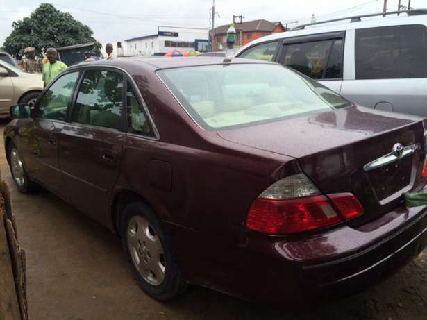 Super clean Nigeria used Toyota Avalon 2004 model. Agege - image 3