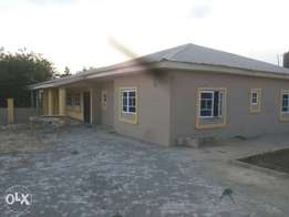 3bed room bungalow for rent at Afrostoff estate Alagbaka