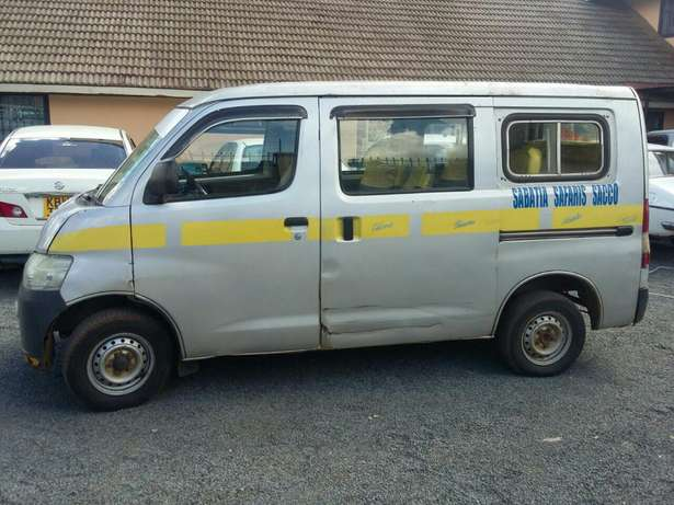 Trade-in Ok! -Toyota Townace 10 Seater Petrol 1.5litre Woodly - image 2