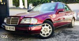 Mercedes 1996 model very clean car at an amazing deal 550,000/= only