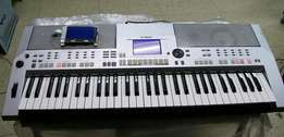 London Used Yamaha PSR S500 With Extra Screen