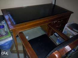 Office table and chair for sale (2nos)