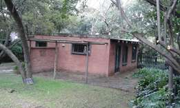2 bedroom cottage,kyalami close to lonehill