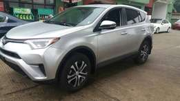 Clean Toyota Rav4 2016 SE Full option For sale!