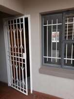 Immaculate one bedroom flat walking distance from TUKS