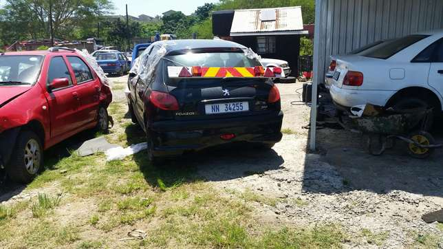 Peugeot 206 1.4 2004 model stripping for spares Phoenix - image 8