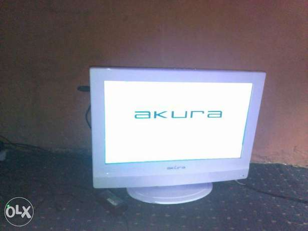 LCD Akura TV with inbuilt DVD Player (20 inches) for sale Abeokuta South - image 2