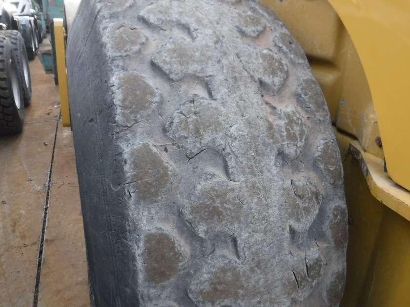 Caterpillar CS76 - 2012 - image 22