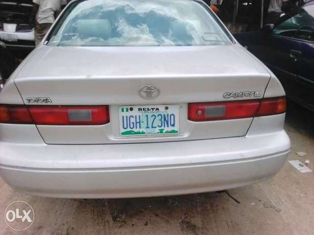 clean Toyota camry tiny light Ughelli - image 1
