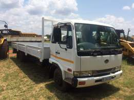 2006 Nissan UD 60 truck with drop sides
