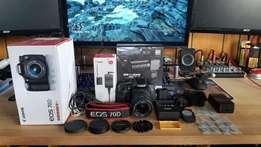 Canon 70D perfect condition with 18-55mm STM lens AND EXTRAS