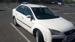 2.0 White Ford Focus for Sale