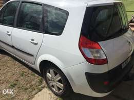 Renault scenic 7 seater R58,000