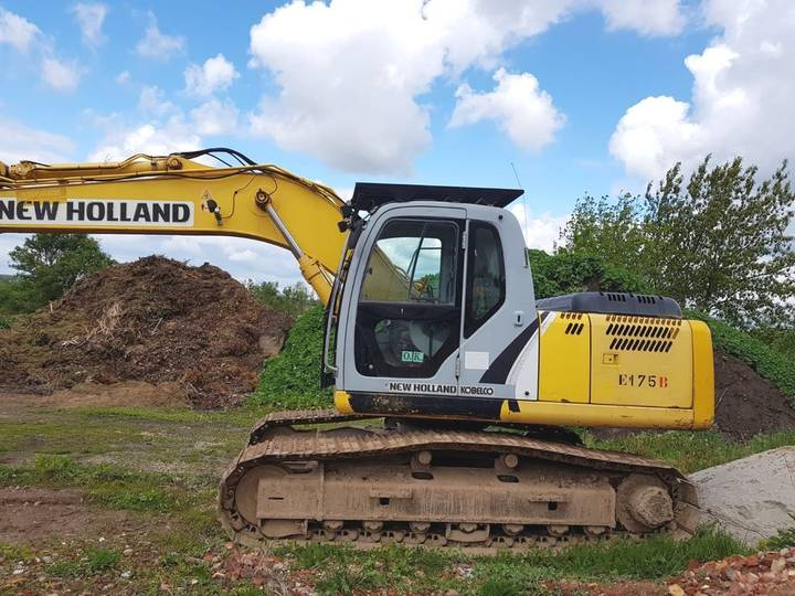 New Holland E175B - 2007