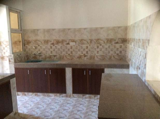 Appealing 3 bedroom Apartment FOR SALE Tudor Mombasa Island - image 4