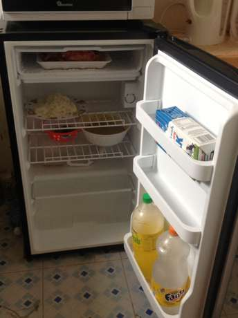 hot point fridge in good condition 6 months old plus warranty Kakamega Town - image 2