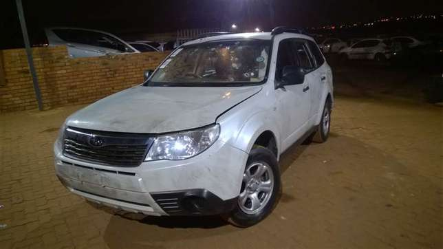 Subaru Forester front bumper sale Pinetown - image 3