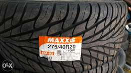 275/40R20 brand new Maxxis tyres tubeless with roatational grips.