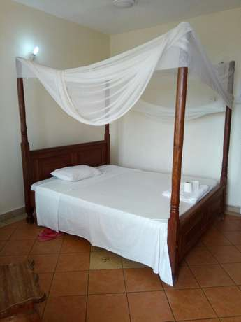 Budget Rooms off Serena Road Near The Famous Intercontinental Hotel. Nyali - image 6
