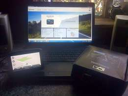 Tomtom GO LIVE 820 gps with LIFE TIME FREE maps excellent condition.