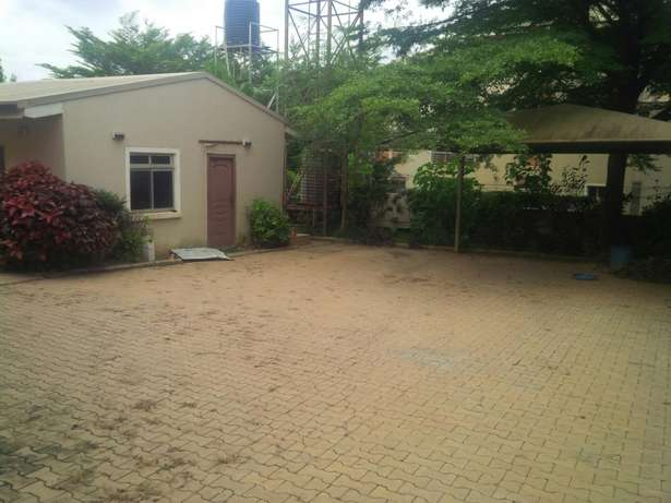 Modernly finished duplex with 2 boy's quarters Gudu - image 2