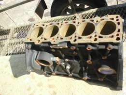 VW Crafter Engine block R 3500 good condition.