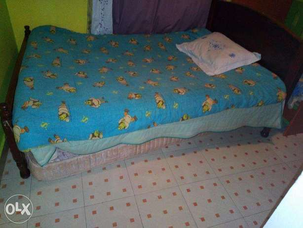 4 by 6 bed with matress in mint condition Kinoo - image 2