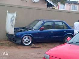 URGENT Sale e30 bmw 325i 4door sunroof