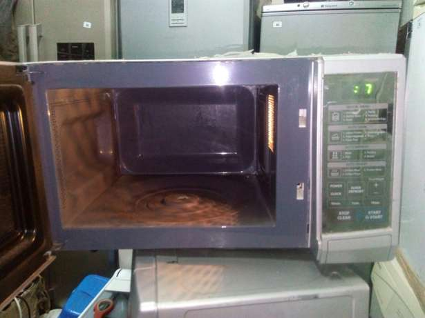 Lg latest model microwave Nairobi CBD - image 3